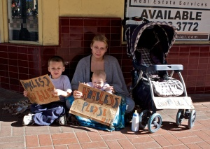 homeless-poor-american-family