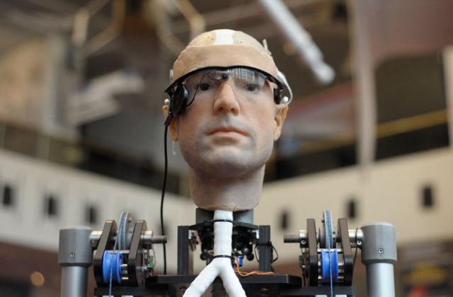 robots-almost-human-bionic-man-670