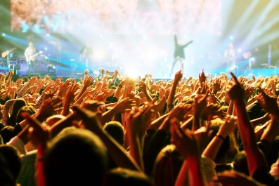 rock concert_man on stage